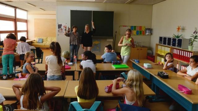 """IL DECS accelera sulla questione della """"cartella dell'allievo"""". I docenti delle scuole comunali reagiscono."""